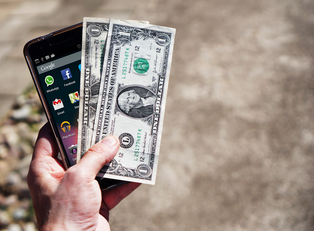 Never, ever buy an iPhone with cash