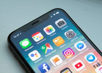 4 ways to spot an iPhone X clone
