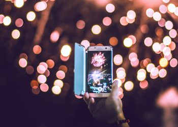 How to take amazing fireworks photos on Android and iOS