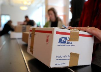 Holiday shipping deadlines for US Postal Service, FedEx, and UPS