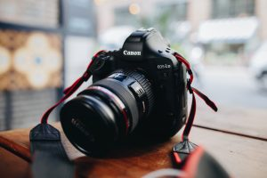 Tips for buying a used camera on Swappa Local